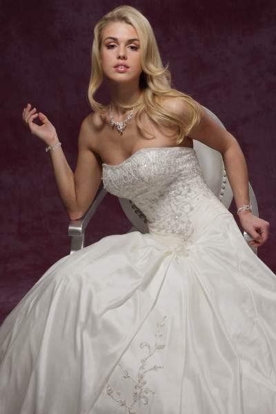 Свадебные платья с финальными скидками (коллекции из Испании) - Свадебный салон Александрия
